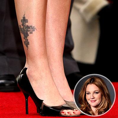 drew barrymore Дрю Бэрримор татуировки на ногах